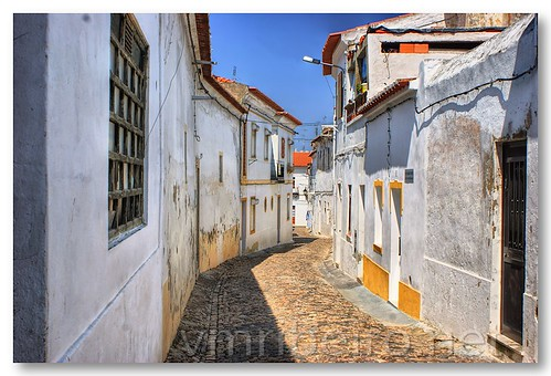 Rua de Moura by VRfoto