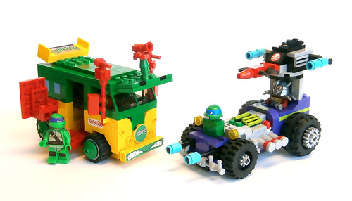 Turtle Party Wagon vs Shreddermobile