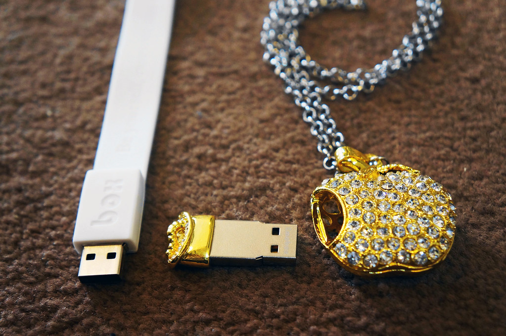 Emobox Jewelry USB