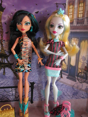 Cleo and Lagoona Scaris