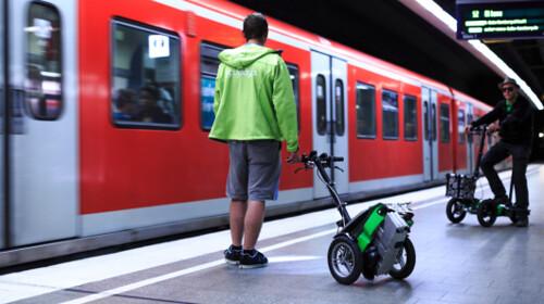 Scuddy - складной электрический самокат на трех колесах