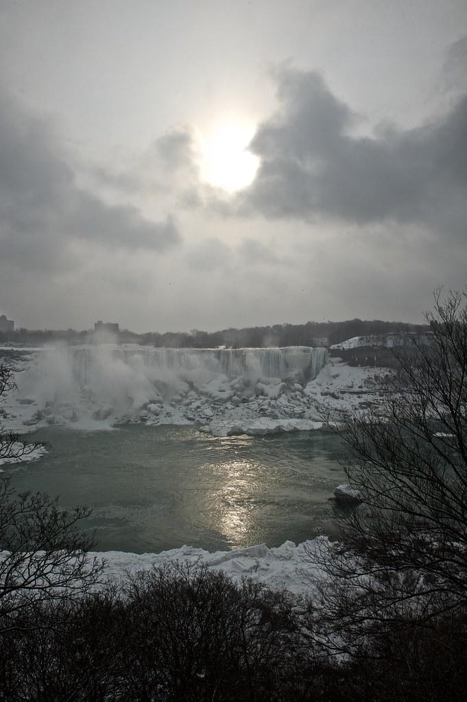 Niagara Falls - 2013-02-24 at 07-15-24