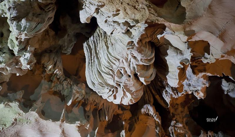 下龍灣  驚奇洞
