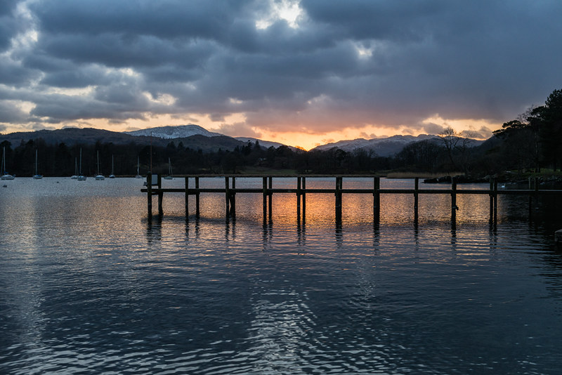 Fiery-light-at-waterhead