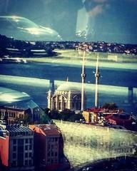 #reflex #riflessi #window #shadows #streets #bridge #ontheroad #imagine #colours #sky #sea #awesome_shots #subhanAllah #Turkiye #turkey #mosque #cars #auto #travelgram #travelling #samsung #ig_sharepoint #ig_worldclub