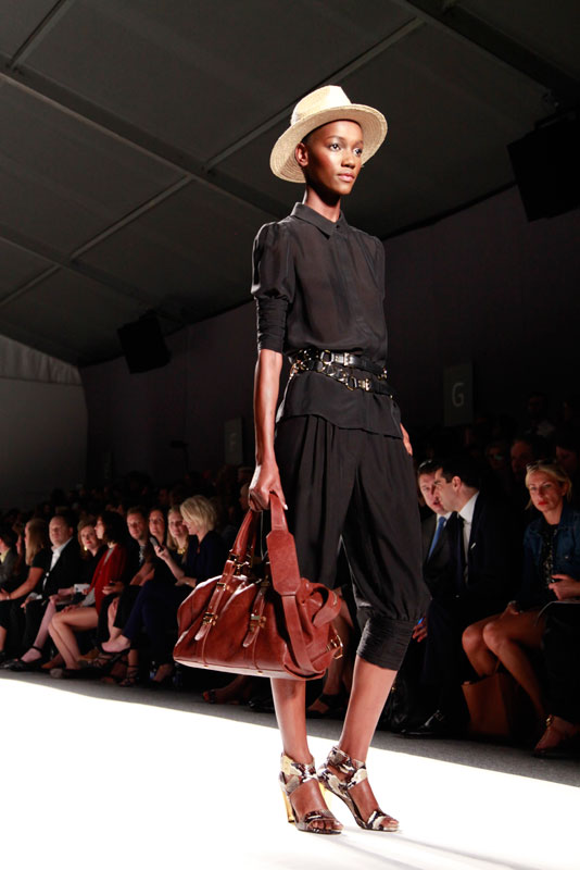 rzoe8 fashion show, NYFW, NYC, MBFW