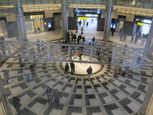 東京駅丸の内口の床 by Poran111