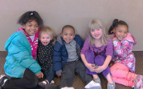Met up with daycare friends for lunch at IHOP. So fun!