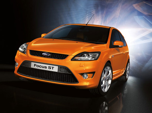 ford-focus-orange