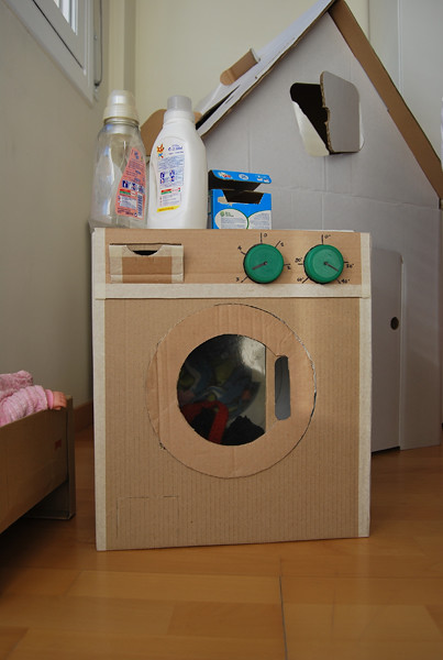 lavadora con caja de cartón