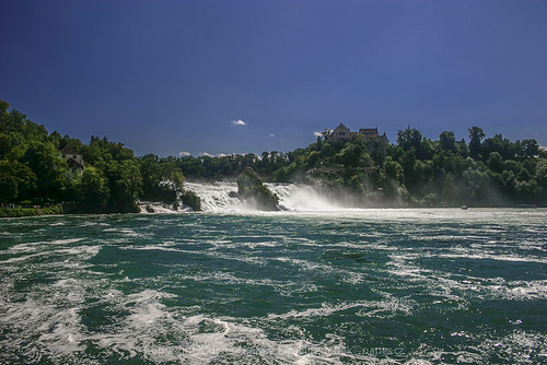Rheinfall by Zdenek Papes