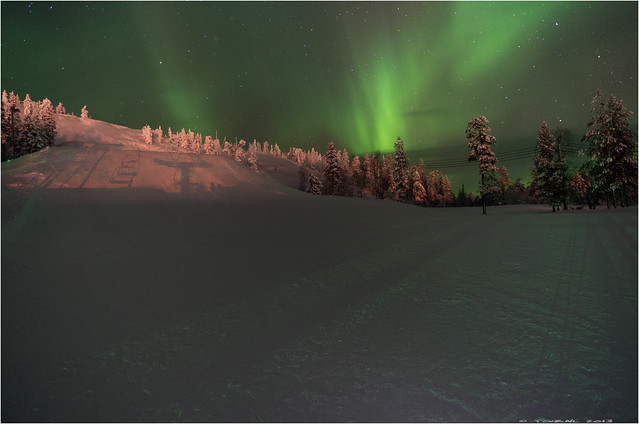 Dancing with the Aurora borealis (Explored)