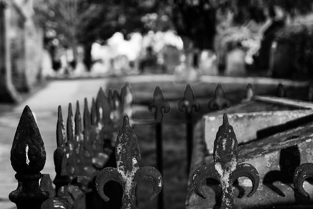 Barton-Le-Clay St Nicholas Churchyard ...HFF
