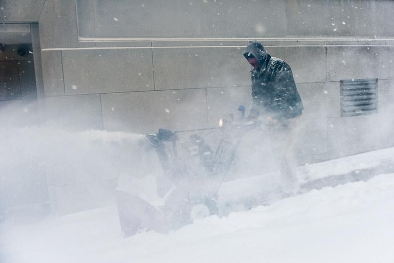 022113 054a snow day ak
