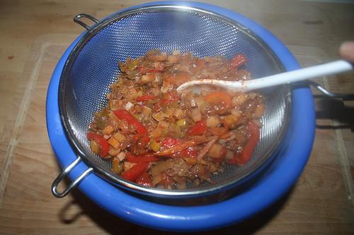 58 - Gemüse abgießen / Drain vegetables