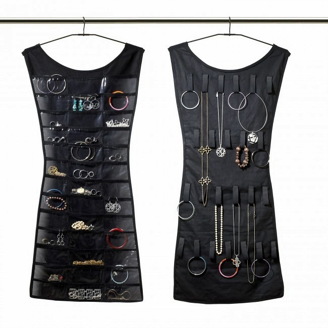 Umbra-Little-Black-Dress-Hanging-Jewelry-Organizer-5-650x650