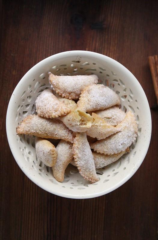 Cicerata di San Giuseppe (Ravioli dolci fritti con crema di ceci)