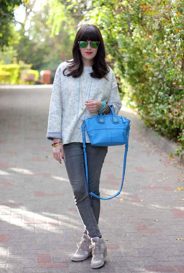 givenchy mini nightingale bag, israeli fashion blog, ash sneakers, בלוג אופנה, תיק ג'יבנשי, משקפי שמש, סניקרס