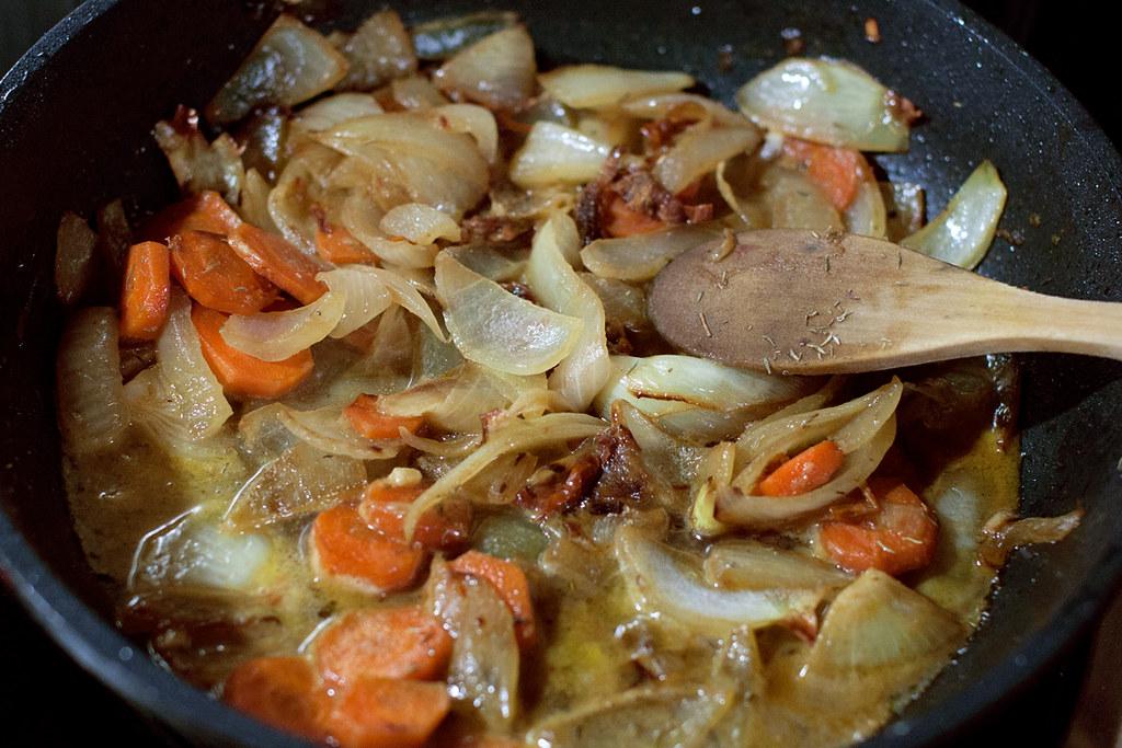 Elaboración de salsa de cebolla con cúrcuma