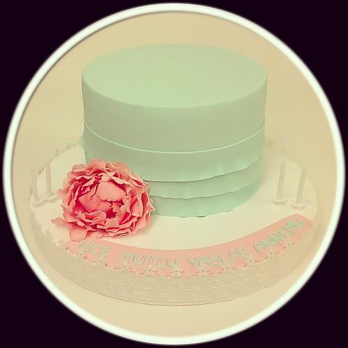 Peony Cake... #sugarpeony #peony #peonycake #sugarart #sugarflowers #mint #pink #sharpegdecakes #burcinbirdane
