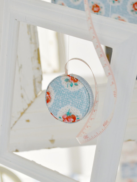 Cath Kidston -LATTICE ROSE TAPE MEASURE