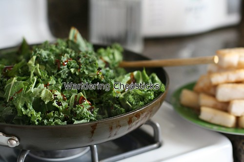 Banh Bot Khoai Mon Chien Xao Cai Xoan (Vietnamese Fried Taro Cake Stir-Fried with Kale) 12