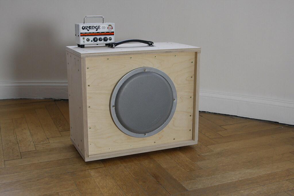 How to Build a Guitar Speaker Cabinet | SMYCK