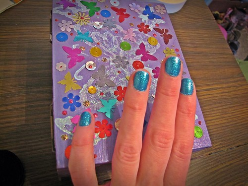 glitter fingernails; glitter box