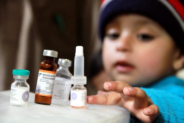 Una campaña de vacunación se lleva a cabo en ocho distritos de Sindh. Crédito: Adil Siddiqi/IPS