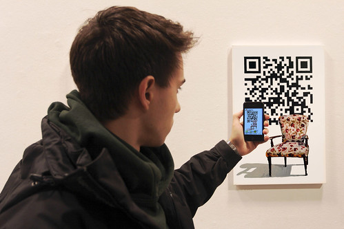 Scan QR code with i-nigma