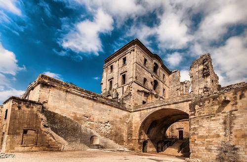 Montmajour Abbey Arles France Spottinghistory Com