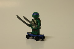 LEGO Teenage Mutant Ninja Turtles Turtle Lair Attack (79103) - Leonardo