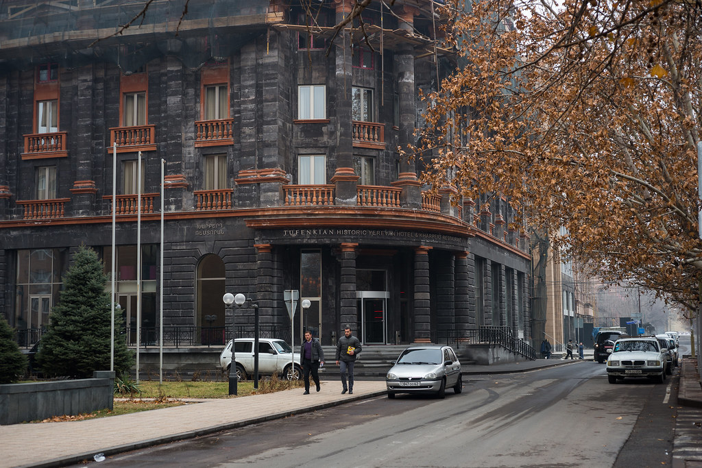 Pictures of yerevan page 48 skyscrapercity for Design hotel yerevan
