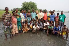 """Una domenica, piantando mangrovie con i """"villageois"""""""