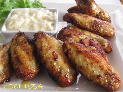 Alitas de pollo con salsa de queso (12)