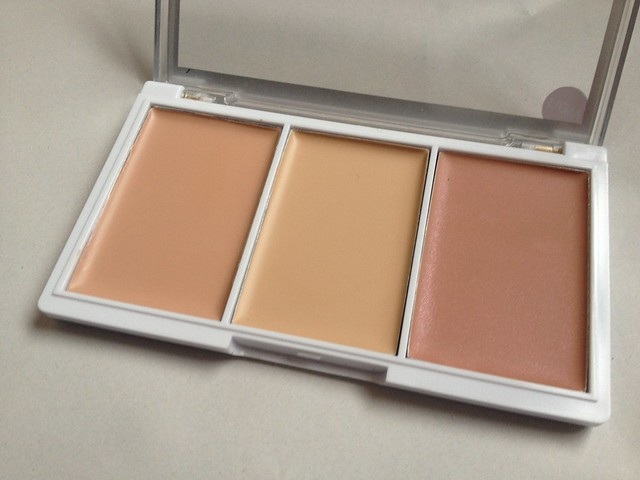 MUA_Pro-Base_Conceal_And_Brighten_Kit_Porcelain (3)
