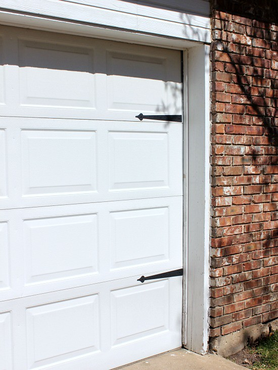 Hi Sugarplum | $15 Garage Door Makeover