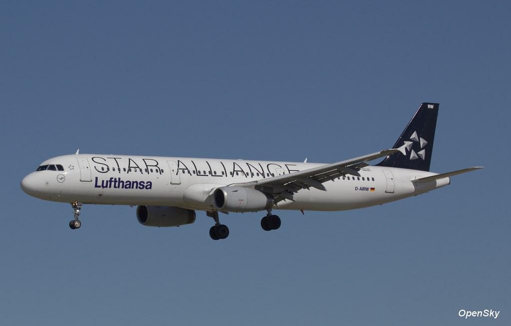 Lufthansa Airbus A321-131 D-AIRW (cn 699)