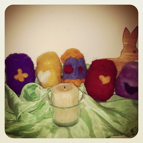 What a fun little project I made today....needle felted eggs ❤ by FuNkY MoMmY
