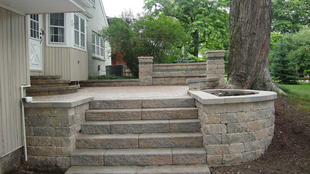 Backyard Getaways Herrin Il : Eriks Landscaping This job was done in Downers Grove, Illinois The