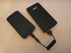 Charging a Nexus 4 with an Anker Astro