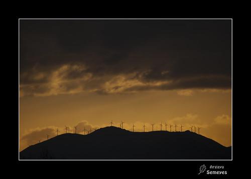 Molinos de viento by Argayu