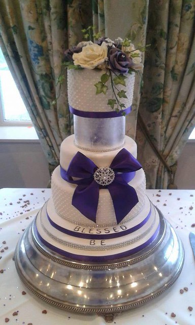 Wedding Cake by Laura Stockton