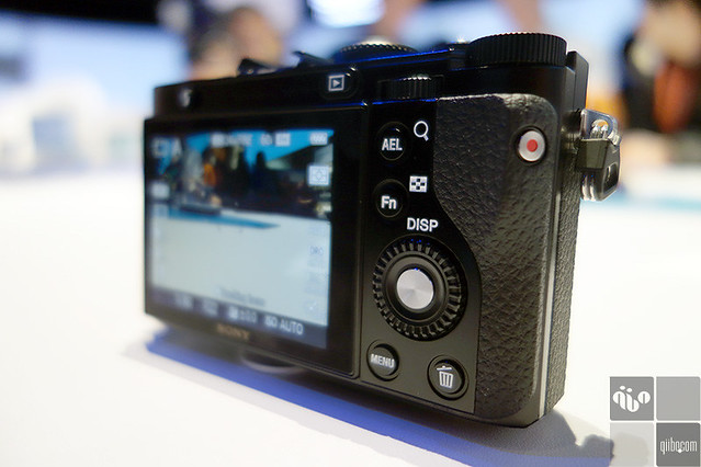 Hands on: Sony DSC-RX1 Mirroless camera | CES 2013