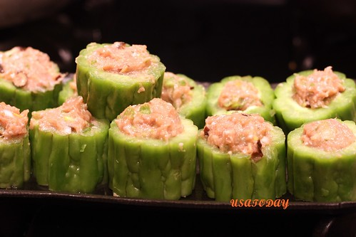 苦瓜鑲肉 Steamed  Bitter Gourd Stuffed with Minced Pork 5