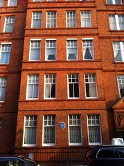 Photo of T. S. Eliot blue plaque
