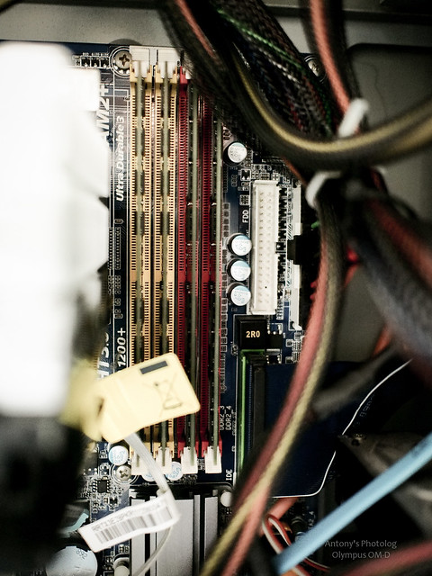 + 怒插滿記憶體 | Transcend DDR2 800 2G*4