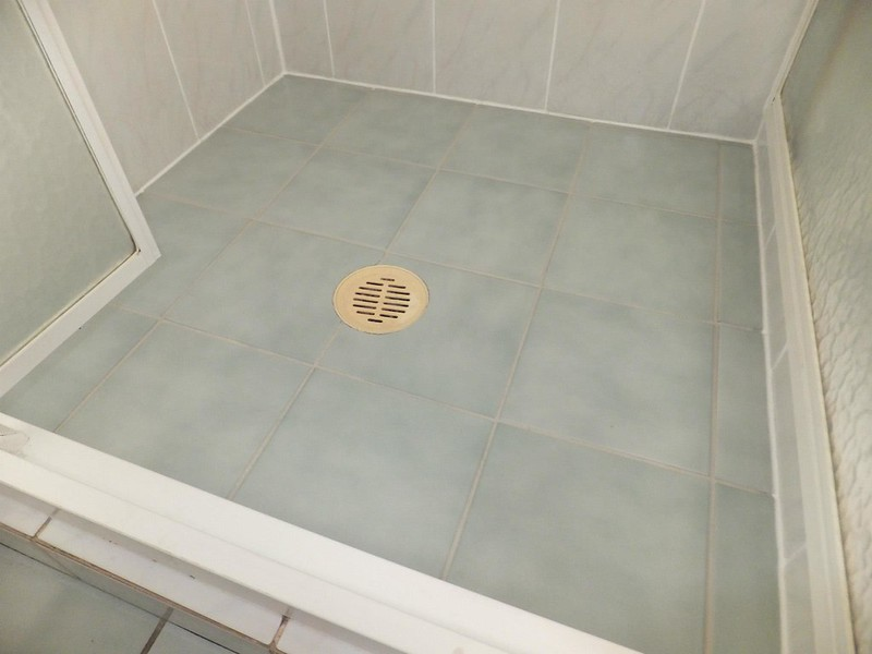 shower cleaning floor 2 after