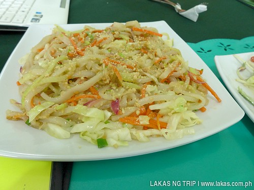 Stir Fry Vegetarian Pad Thai (85 Pesos) at Loid Vegetarian and Raw Food Resto at Puerto Princesa, Palawan