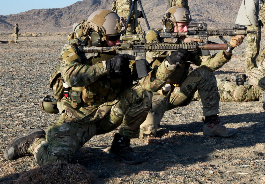 Índice de calzado (Botas militares y de treking adaptadas a uso militar/airsoft) - Página 2 8460786489_bbc9105ee6_b